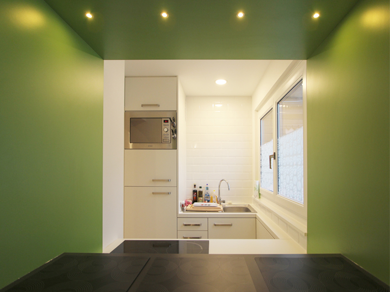 cr er une cuisine ouverte dans un petit appartement julie chabassier architecte int rieur. Black Bedroom Furniture Sets. Home Design Ideas